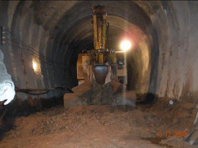 扒渣机在引水压力隧洞施工