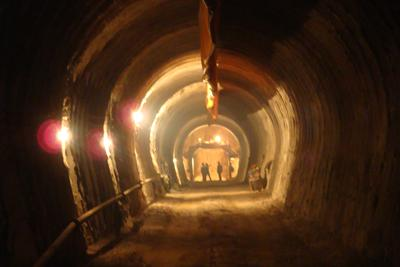 施工中的引水压力隧洞